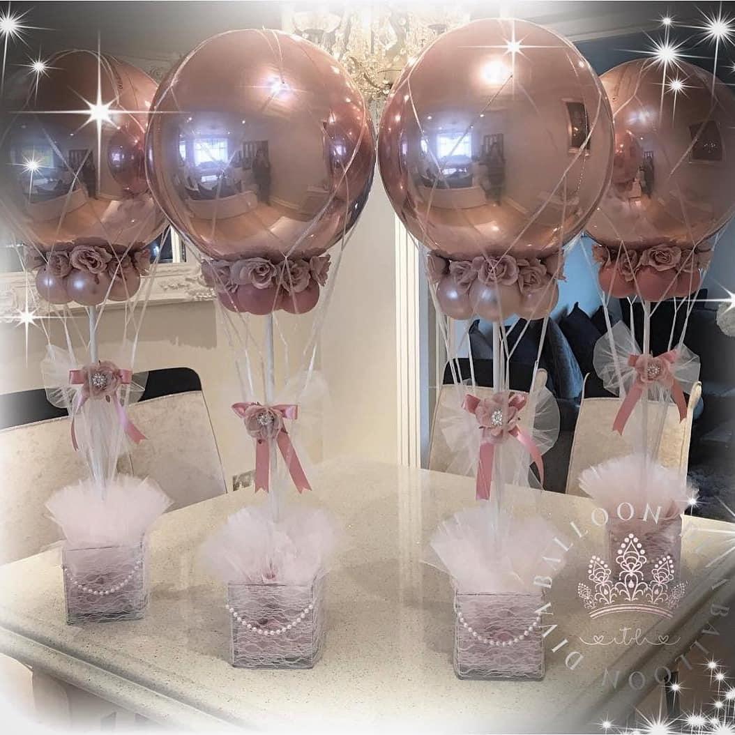 centros de mesa con globos metalicos