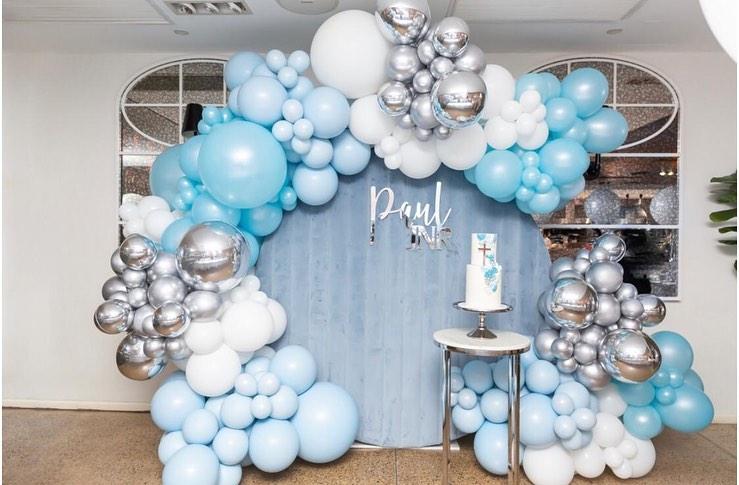 Ideas con globos para bautizo