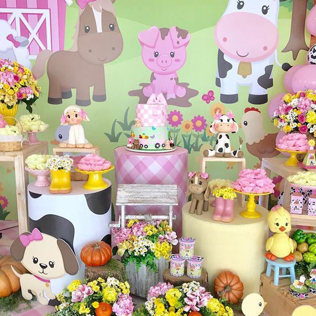 ideas para la mesa principal en cumpleaños de granja de zenon para niña