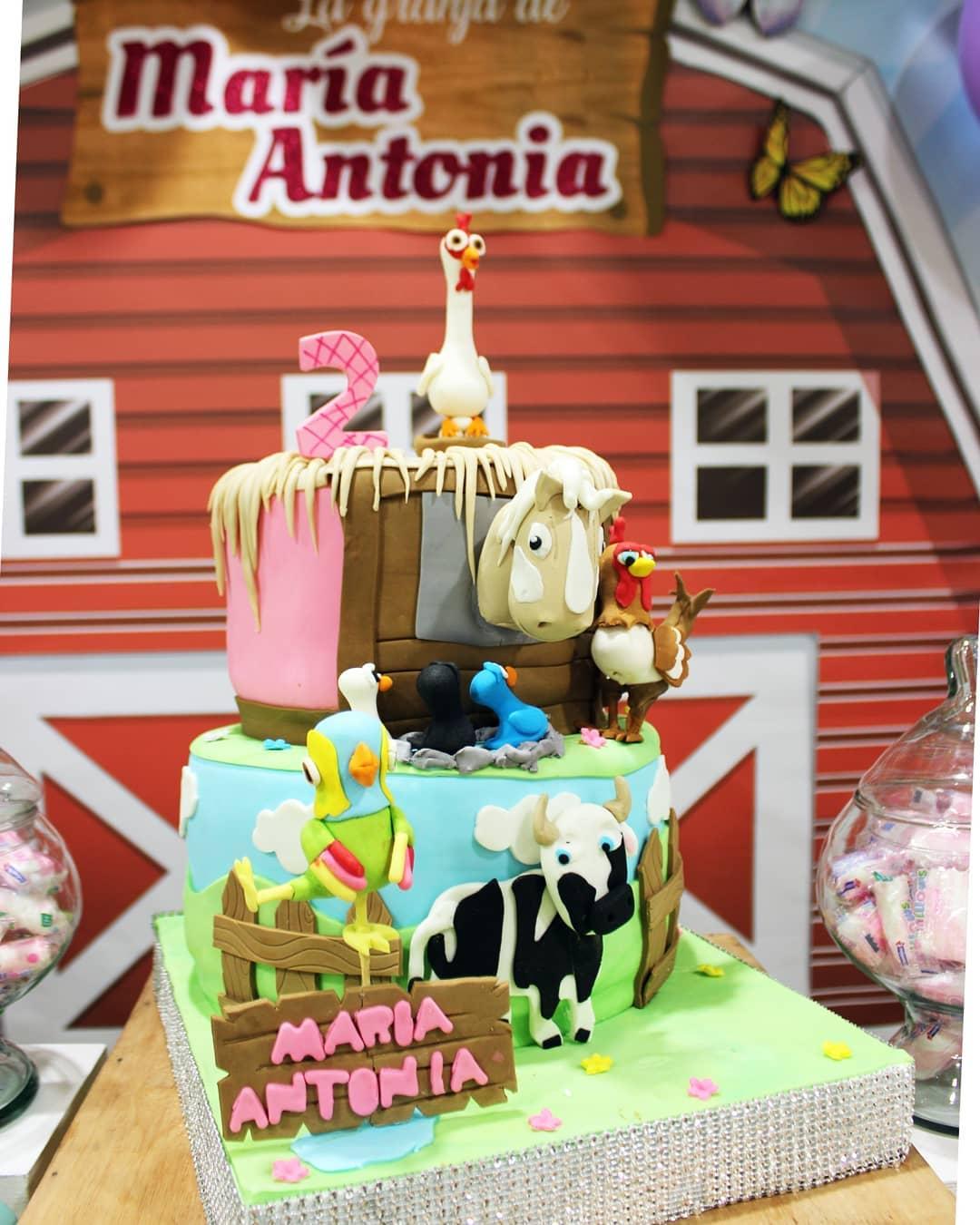 pastel de la granja de zenon para niña