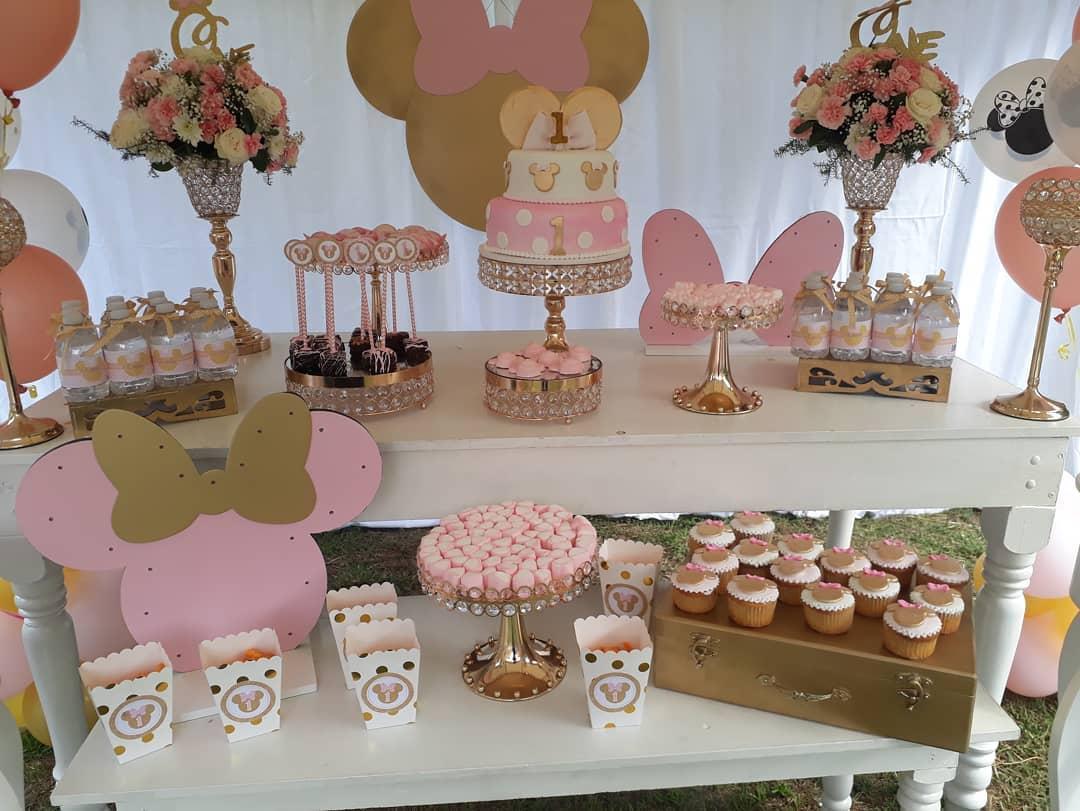 mesa de dulces minnie rosa y dorado