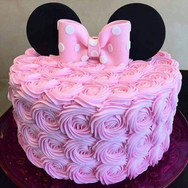 pastel de minnie rosa con dorado