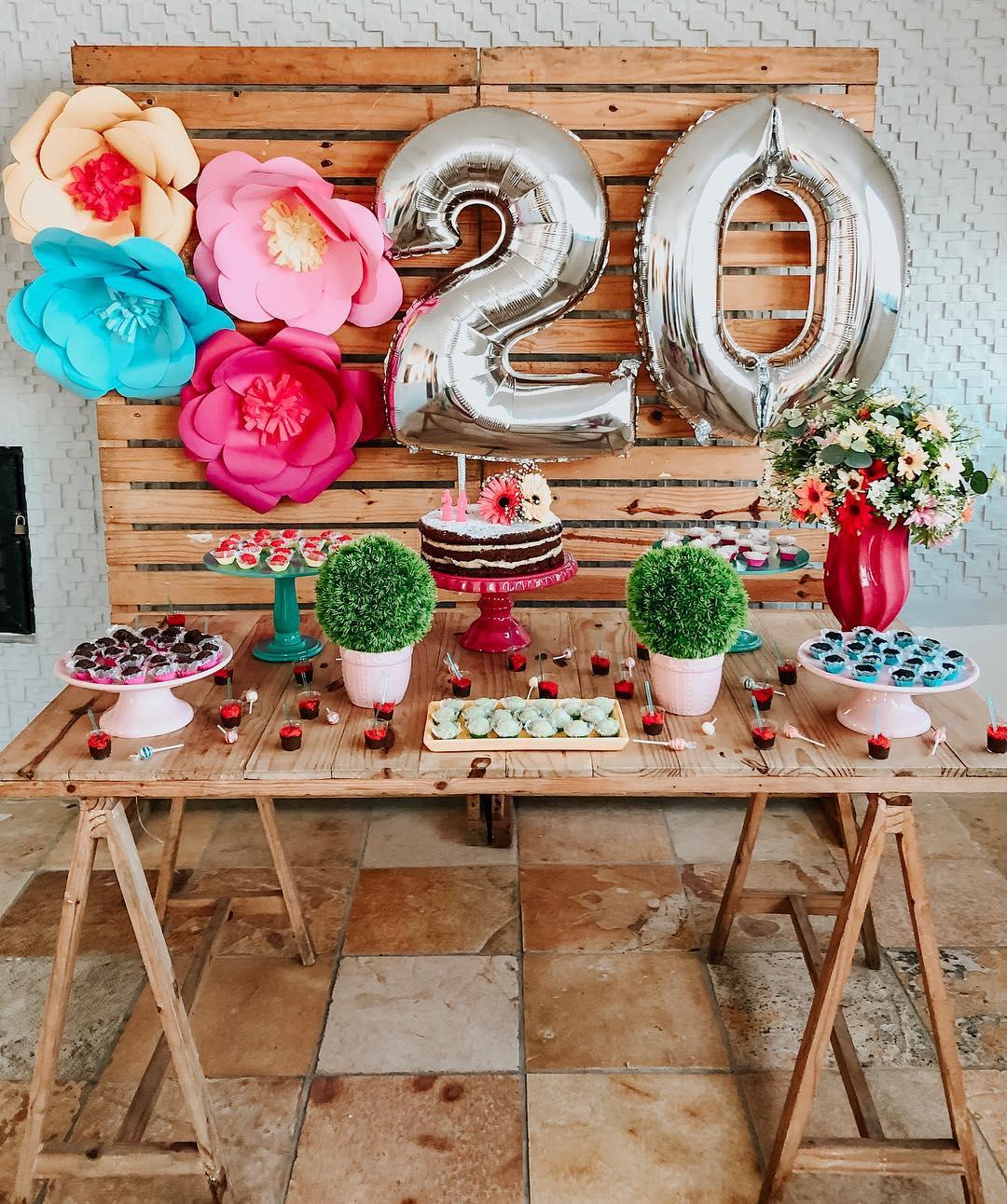 decoracion de cumpleaños para mujer sencilla