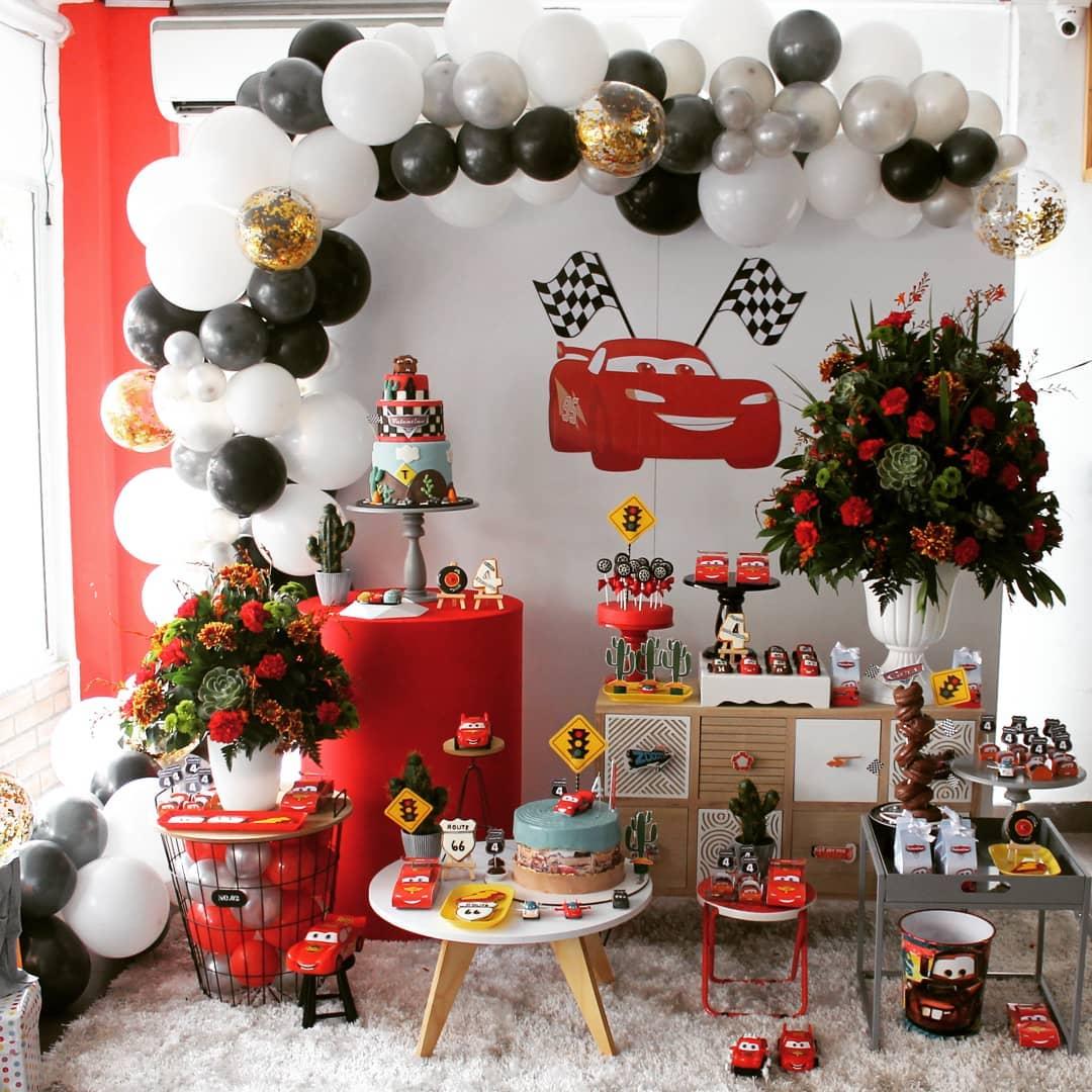 decoracion sencilla de cars para cumpleaños en casa