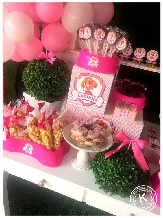 mesa de dulces para fiesta de paw patrol para niña