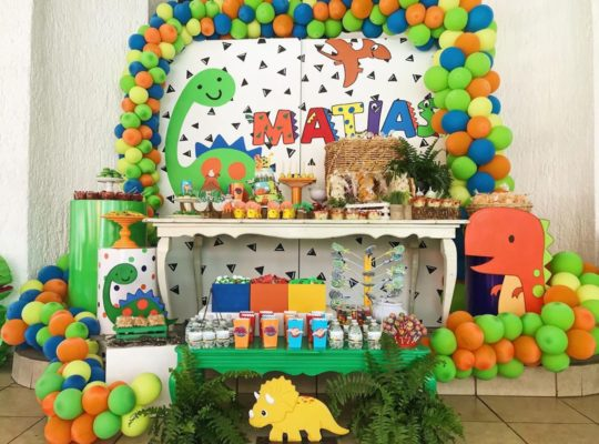fiesta infantil de dinosaurio