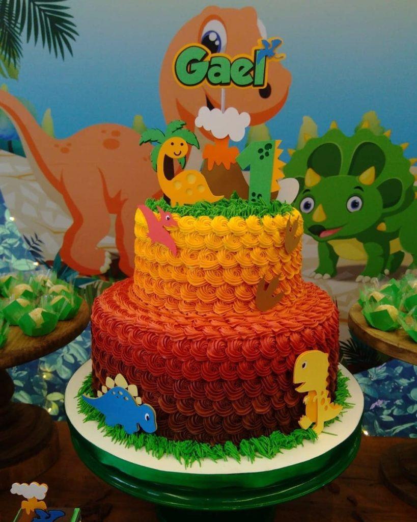 pastel de dinosaurio