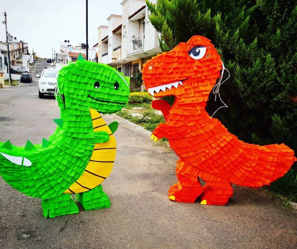 piñatas de dinosaurio